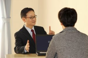 土地の紹介も含め、具体的に商談が始まったなら、次のことに注意しながら商談をすすめます。